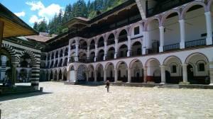 7ème jour: On n'en fini plus de faire de la route. Cette fois pour se rendre au monastère de Rila, classé au Patrimoine de l'Unesco, un détour qui vaut vraiment le coup!