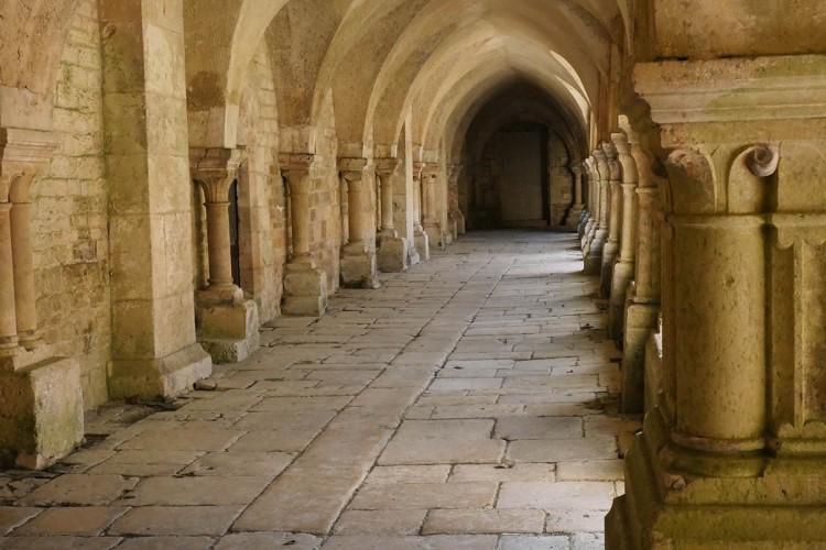 abbayedefontenay-cloitre-bourgogne-galswind