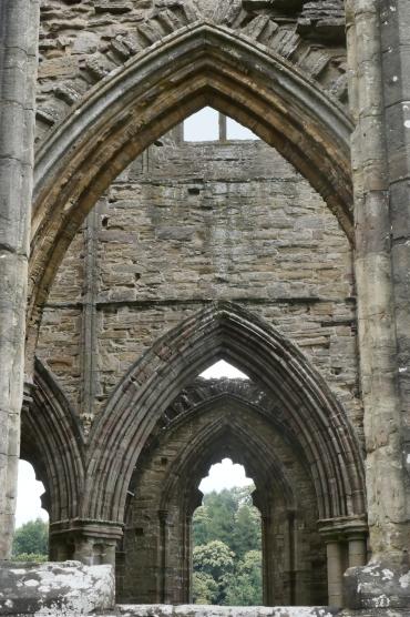 abbey-tintern-roadtrip