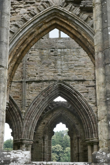 abbey-tintern-roadtrip