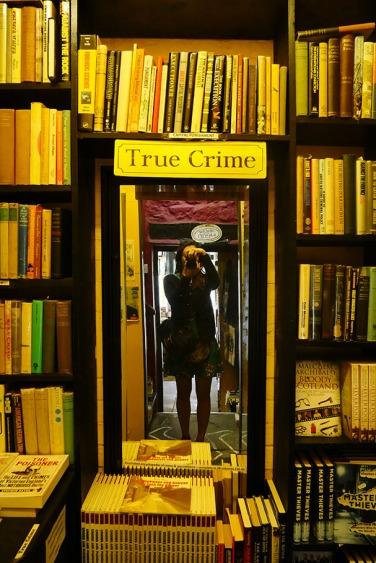 Ambiance creepy dans cette librairie de thrillers